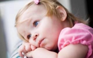 От чего может быть молочница у девочки в год